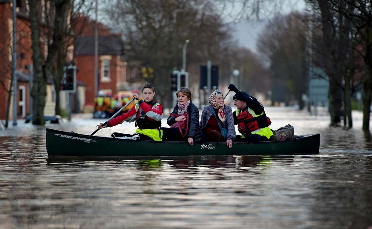 UK flood warnings: Homes evacuated amid heavy rain